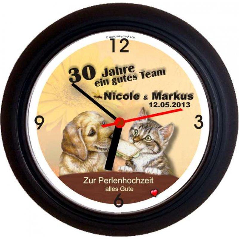 lucky clocks wanduhren personalisierte geschenke f r. Black Bedroom Furniture Sets. Home Design Ideas